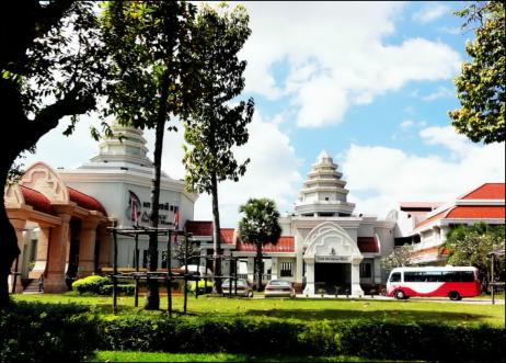 Angkor W. Museum
